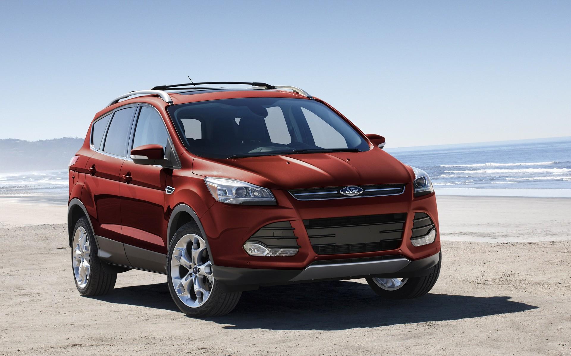 Ford Escape 2015 có nhiều thay đổi đáng kể so với mẫu cũ