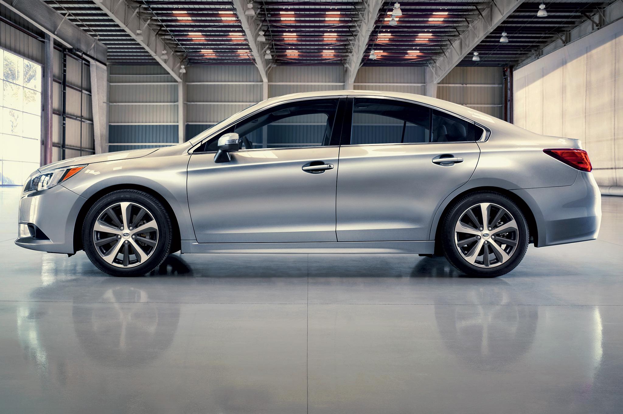 Subaru Impreza 2015 sở hữu ngoại hình không có gì nổi bật