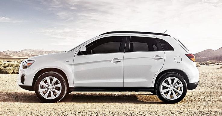 Mitsubishi trang bị cho mẫu xe của mình hệ thống điều hòa tự động, ghế lái chỉnh điện tích hợp sưởi ấm