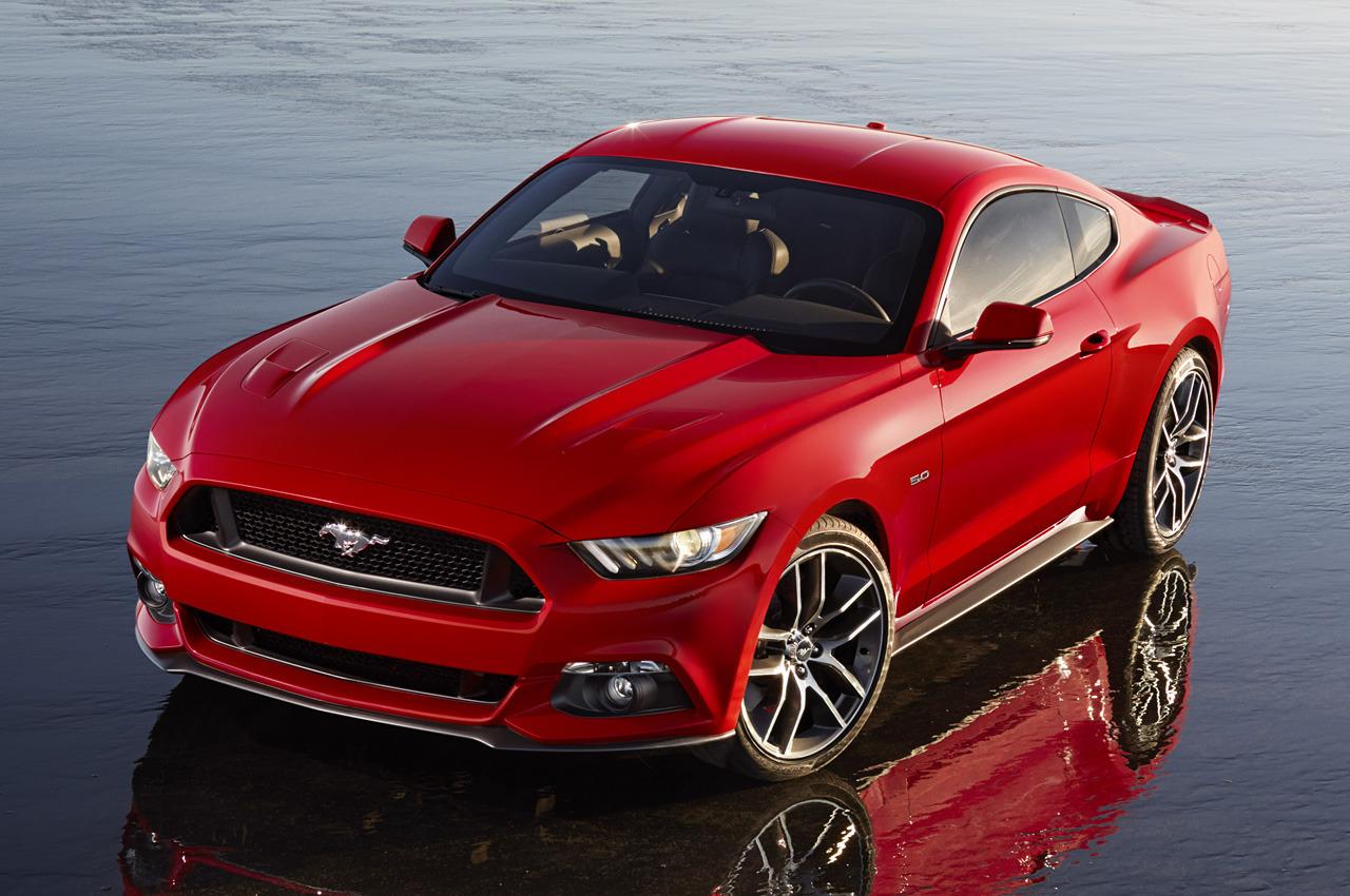Ford Mustang 2015 có bước tiến mới về thiết kế với mặt trước