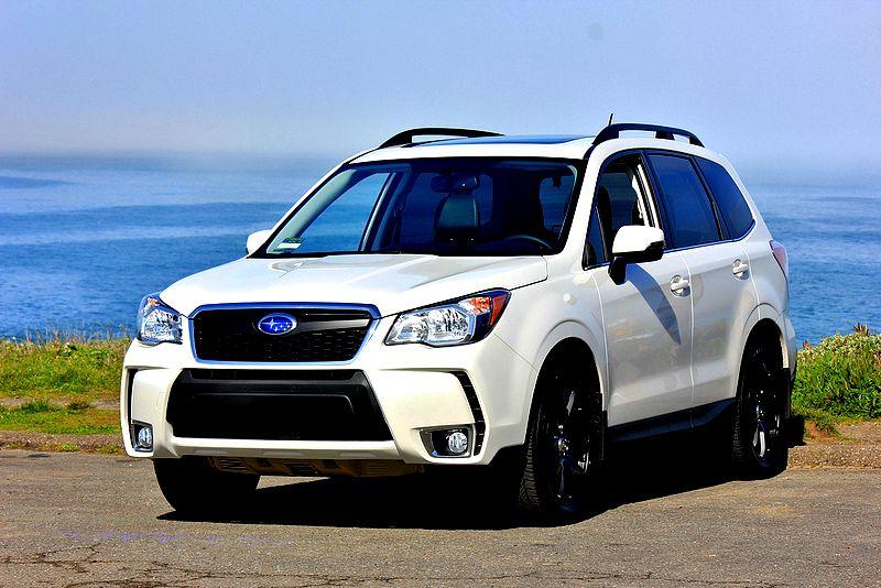 Subaru Forester 2015 nội thất nâng cấp, khoang lái rộng