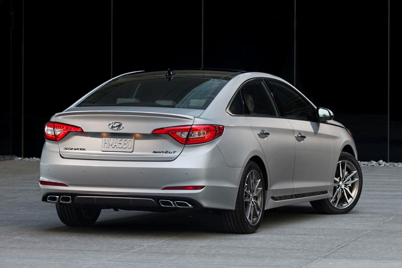 Hyundai Sonata cung cấp ba tùy chọn động cơ