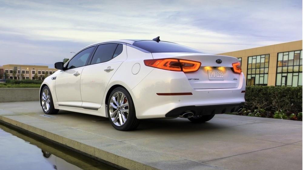 Kia Optima thế hệ mới được trang bị ba tùy chọn động cơ với nhiều cải tiến mới