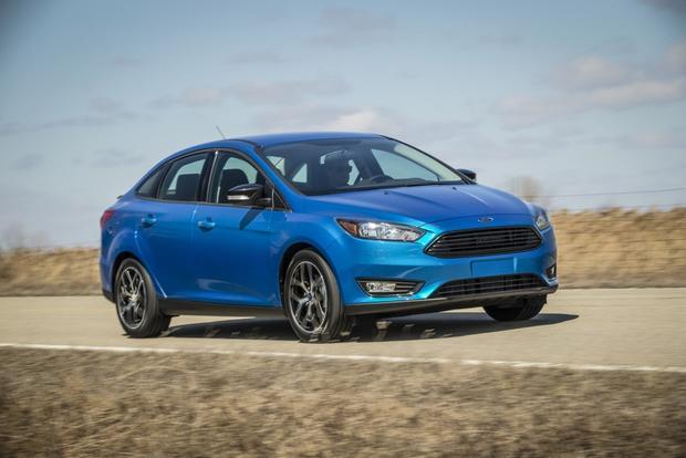 Ford Focus được đánh giá cao hơn bởi nhiều tiện ích hỗ trợ người lái nâng cao độ an toàn