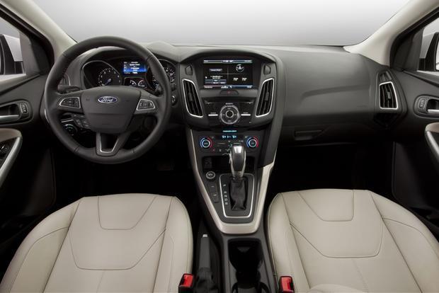 Khi so sánh Focus và Corolla, nhiều tính năng của cả 2 dòng xe này khá tương đồng