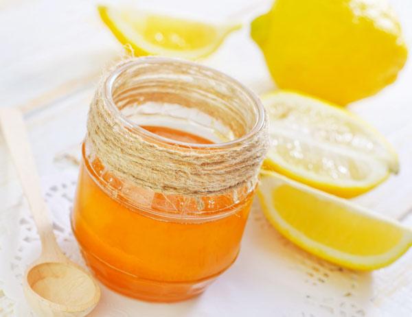 Tác dụng của mật ong đối với việc làm cho vết thương trên da mặt mau lành
