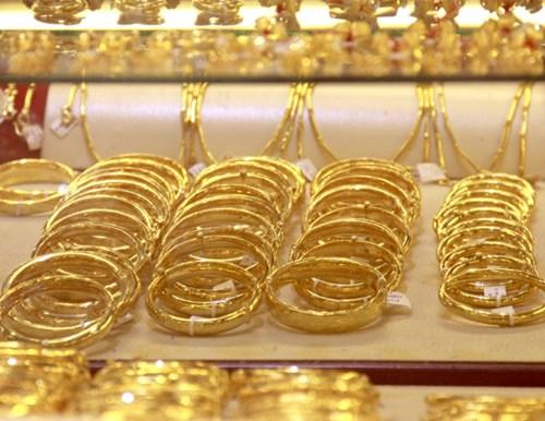 Tin kinh tế tài chính hôm nay cho thấy vàng trong nước đứng giá vào đầu tuần