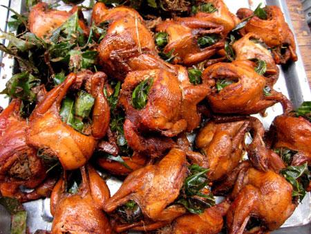 Nhiều người dùng bột tạo màu thực phẩm cho chim vàng đẹp hơn