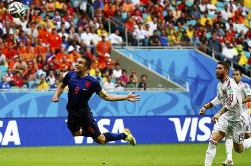 Tây Ban Nha 1 - 5 Hà Lan: Nhà vô địch rước nhục!