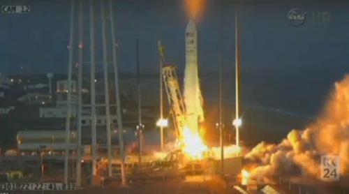 Tên lửa khi vừa được phóng lên