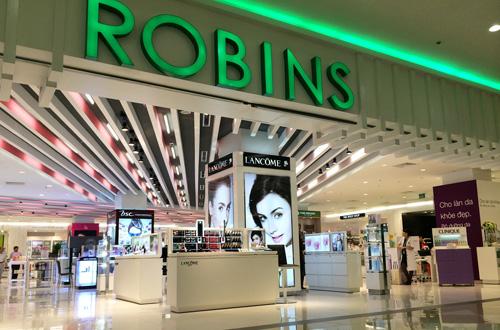 Tại Việt Nam, gia đình Chirathivat giàu nhất Thái Lan đã có sự hiện diện đầu tiên thông qua trung tâm mua sắm Robins