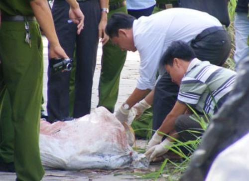 Phát hiện hàng loạt thi thể trôi sông trong quá trình tìm xác chị Huyền