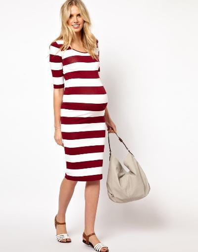 Bà bầu cũng có thể tự tin diện váy bó chất thun để thêm phần trẻ trung