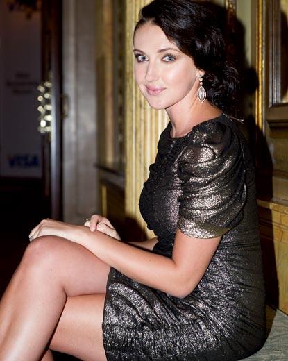 Anna Anisimova  - Tổng tài sản: 2,7 tỷ USD. cô con gái nhỏ của ông trùm kim loại Nga Vassily Anisimov. Cựu người mẫu này đã mua trụ sở chính của Diane Von Furstenberg (một thương hiệu thời trang của Bỉ) với 23 triệu USD trong năm 2005, cô trả 15 triệu USD để sở hữu hơn 370 kilomet vuông trong trung tâm Time Warner (Mỹ).