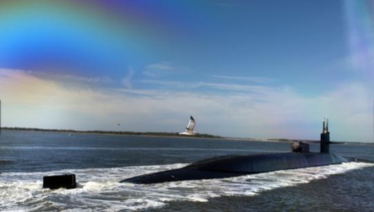 Tàu được trang bị tên lửa đạn đạo liên lục địa Trident I/II đạt tầm bắn 7.400-12.000 km, lắp phần chiến đấu kiểu MIRV (chứa 8-12 đầu đạn hạt nhân dẫn hướng độc lập)
