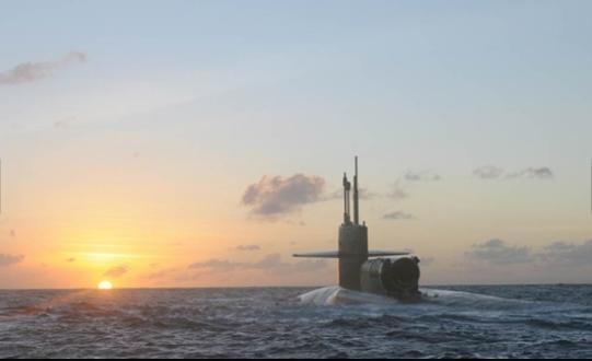 Tàu ngầm Ohio được trang bị một lò phản ứng hạt nhân được làm nguội bằng nước nén General Electric GE PWR S8G