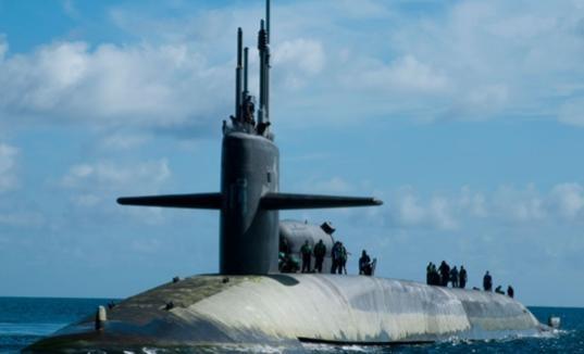 Tàu ngầm lớp Ohio có thể di chuyển với tốc độ 17 hải lý/h khi di chuyển trên mặt nước và đạt tới tốc độ 25 hải lý/h khi lặn. Tàu có khả năng hoạt động hiệu quả ở độ sâu 365 m, và có thể tới mức độ giới hạn là 550 m