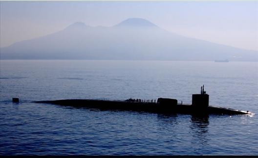 Theo tiết lộ của thuyền trưởng Benjamin Pearson, con tàu được trang bị tổng cộng 154 tên lửa tấn công Tomahawk