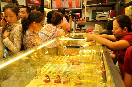 Tin kinh tế tài chính hôm nay: giá vàng tăng nhẹ