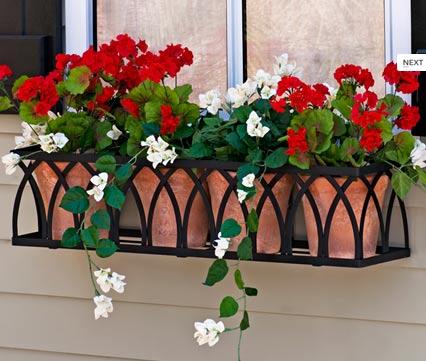 Khi trang trí nhà đón Tết cần chú ý đến việc tạo linh hồn cho cửa sổ