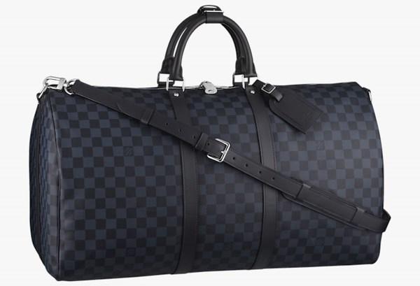 Túi Louis Vuitton là bạn đồng hành hoàn hảo cho những chuyến du lịch. Ảnh minh họa