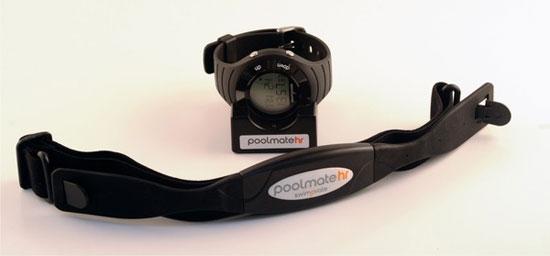 Việc mang theo máy đo nhịp tim trong túi tập gym sẽ rất hữu ích. Ảnh minh họa