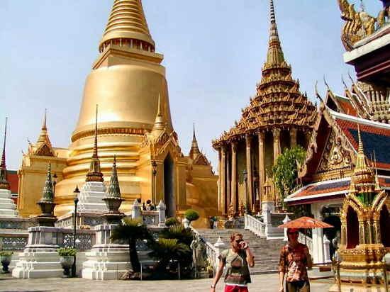 Tỷ phú châu Á tại Thái Lan hầu hết đều được thừa kế tài sản chứ không tự thân lập nghiệp như phương Tây.