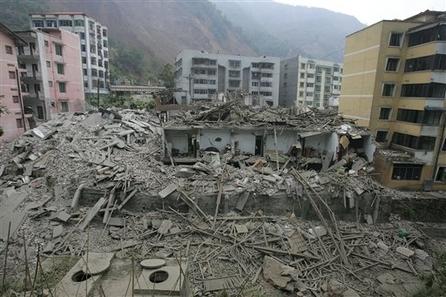 Những trận động đất kinh hoàng gây ra nhiều thiệt hại về người và của