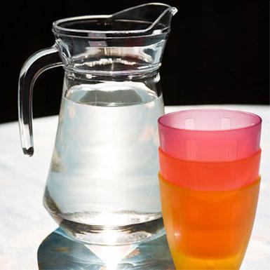 Uống nước không đúng cách rất có hại cho sức khỏe