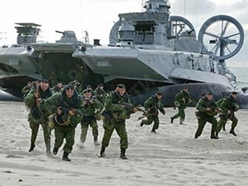 Mặc dù có thể chưa được coi là siêu cường như trong thời kỳ Chiến tranh Lạnh, nhưng kể từ khi ông Putin tái đắc cử Tổng thống Nga vào năm 2012 thì lực lượng vũ trang nước này đã được hiện đại hóa đáng kể. theo đó, quân đội Nga đang trở nên tinh gọn hơn với những hệ thống vũ khí quân sự, trang bị hiện đại hơn