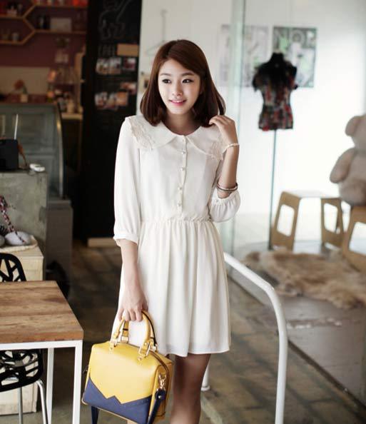 Váy trắng liền thân đơn giản, tinh khôi và thanh lịch