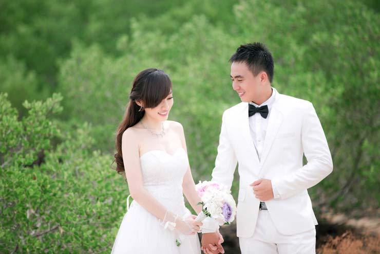 Vest chú rể màu trắng cũng rất được ưa chuộng trong năm 2014