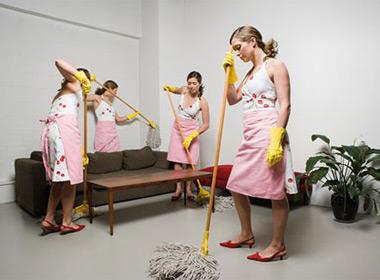Một trong những việc cần làm đón Tết với mọi gia đình là dọn dẹp nhà cửa