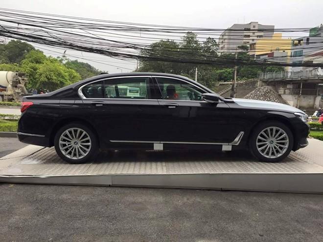 BMW 7-Series 2016 lấy cảm hứng từ các mẫu xe BMW i3 và i8