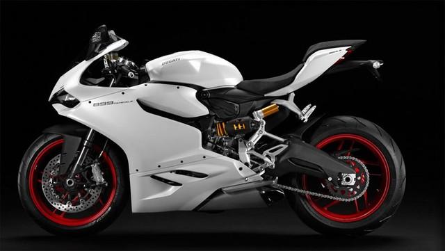 Thiết kế tổng thể của xe Ducati 959 Panigale không có nhiều sự khác biệt so với đàn anh