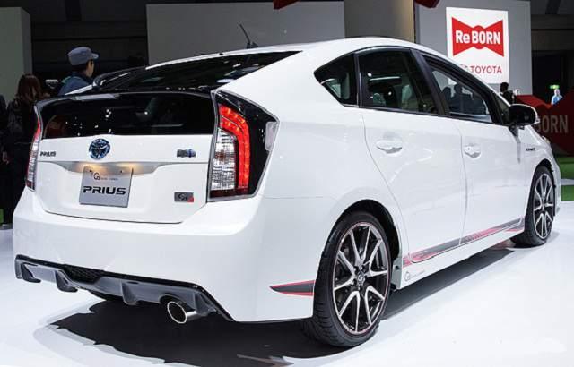 Toyota Prius 2016 tiêu thụ trung bình 2,5 lít/100km