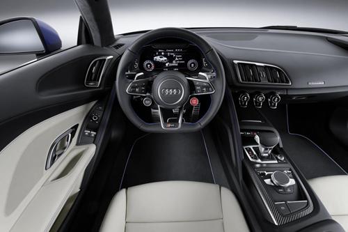Khung xe của ô tô Audi R8 mới là loại Audi Space Frame mới từ một số vật liệu nhẹ như nhôm, sợi carbon gia cố nhựa