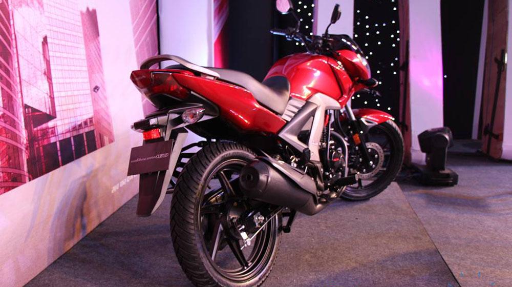 Honda CB Unicorn 160 khá tiết kiệm nhiên liệu với  mức tiêu thụ xăng vào khoảng 1,6 lít/100km đường hỗn hợp