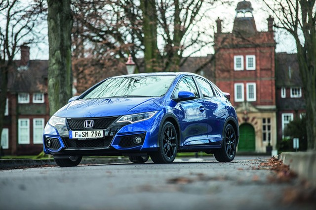 Vẻ thể thao mạnh mẽ của phiên bản xe ô tô mới Honda Civic Sport tại trời Âu