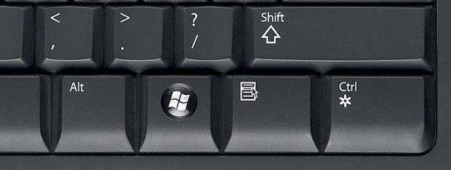 Nếu màn hình máy tính bị lộn ngược bạn có thể dễ dàng nhấn Control + Alt + phím mũi tên lên là được. Ảnh minh họa