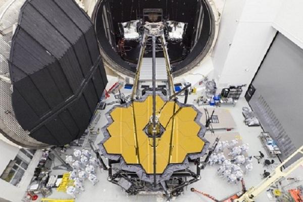 Xảy ra sự cố với 'cỗ máy nhìn ngược quá khứ' của NASA