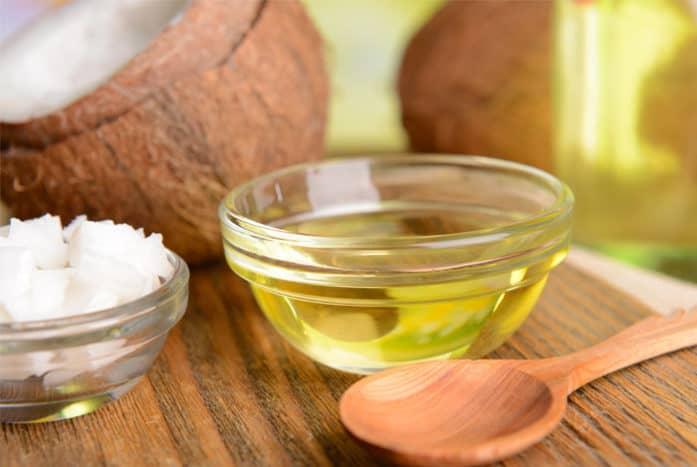 Dầu dừa chứa nhiều chất béo bão hòa không tốt nếu thường xuyên sử dụng