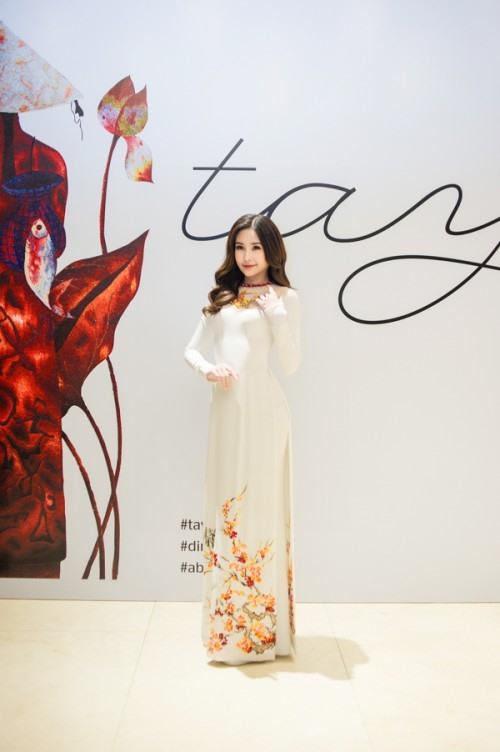 Hoa hậu Đại dương Ngân Anh lại gây bất ngờ với nhan sắc 'đẹp không tì vết'