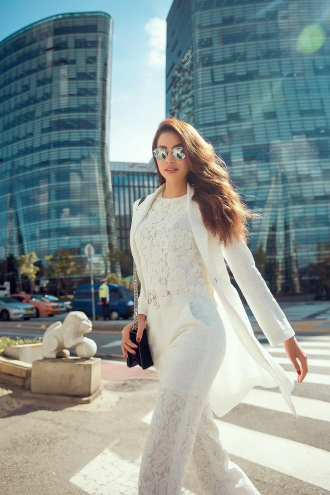 Phạm Hương khoe vẻ đẹp sang chảnh 'ngút trời' tại Hàn Quốc