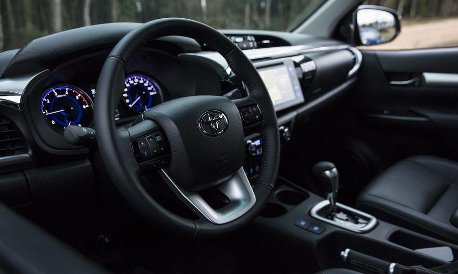 Xe bán tải Toyota Hilux 2018 chính thức bán ra thị trường Việt Nam vào tháng 8/2018