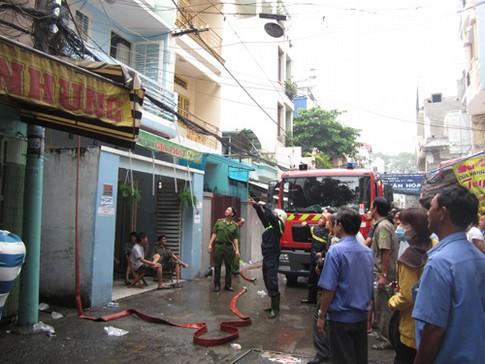 Hỏa hoạn thiêu rụi căn nhà tại TP.HCM, cụ già may mắn thoát nạn là tin tức mới cập nhật 24h hôm nay