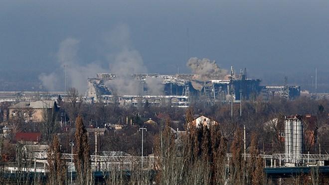 Tình hình Ukraine mới nhất: Giao tranh ác liệt tại sân bay Donetsk, Ukraine buộc phải rút lui
