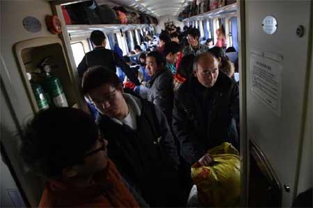 Ác liệt cuộc chiến giành giật vé tàu Tết ở Trung Quốc