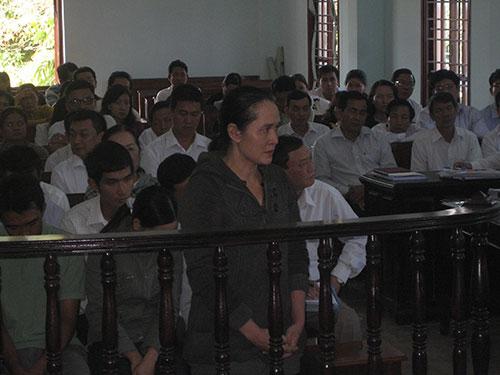 Tin tức cập nhật mới nhất ngày 17/1/2015: Bị cáo Nguyễn Thị Sương bị tuyên án 20 năm tù giam