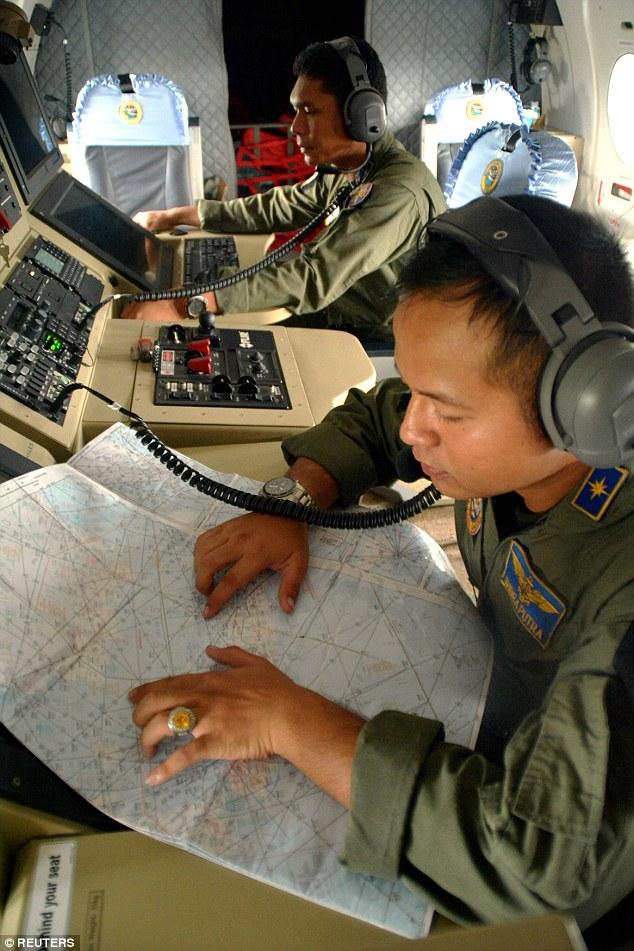 Mở rộng phạm vi tìm kiếm máy bay AirAsia mất tích